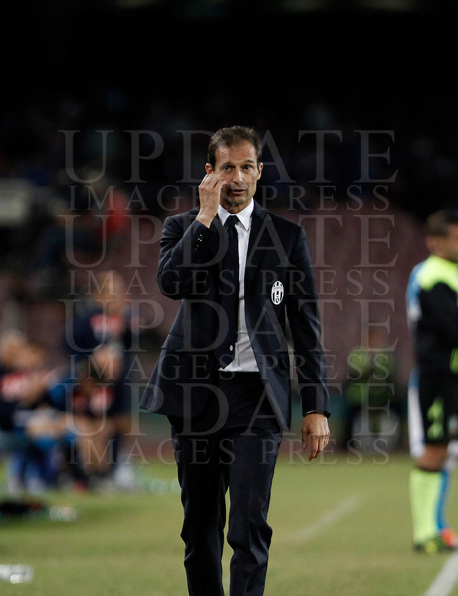 Calcio, Serie A: Napoli vs Juventus. Napoli, stadio San Paolo, 26 settembre 2015. <br /> Juventus&rsquo; coach Massimiliano Allegri leaves the pitch at the end pf the Italian Serie A football match between Napoli and Juventus at Naple's San Paolo stadium, 26 September 2015. Napoli won 2-1.<br /> UPDATE IMAGES PRESS/Isabella Bonotto