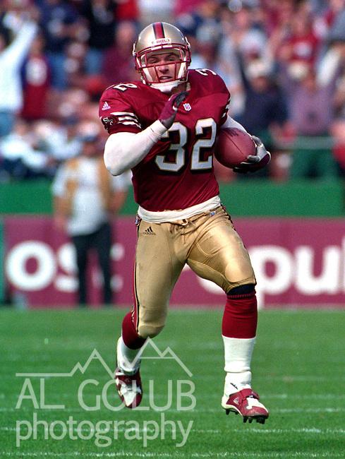 San Francisco 49ers vs. St. Louis Rams at Candlestick Park Sunday, October 29, 2000.  Rams beat 49ers 34-24.  San Francisco 49ers running back Travis Jervey (32).