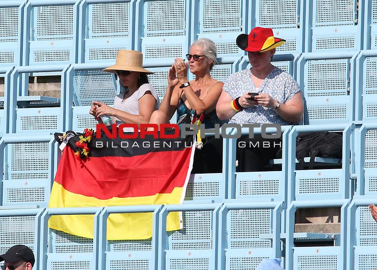 16.09.2016, LTTC Rot-Weiss-Berlin, Berlin, GER, Davis Cup, Deutschland vs. Polen, , im Bild <br /> Zuschauer, Besucher<br /> <br /> <br />      <br /> Foto &copy; nordphoto / Engler