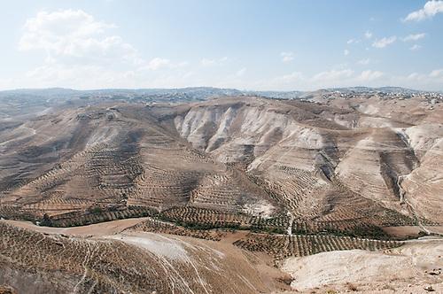 "Wadi Naar, Bethlehem, Palestine. La ""vallee du feu"" , on apercoit Jerusalem au fond."