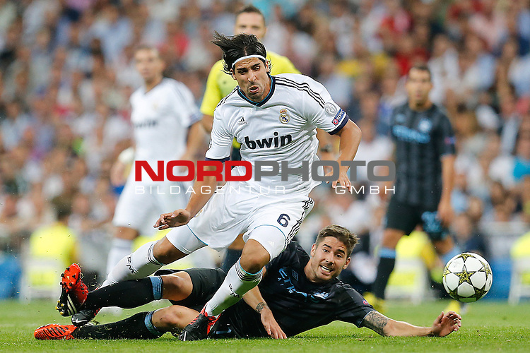 Real Madrid's Sami Khedira and Manchester City's Javi Garcia during Champions League match on september 18th 2012...Photo: Cesar Cebola  / Foto © nph *** Local Caption ***