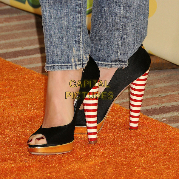 CAMERON DIAZ.Nickelodeon's 2009 Kids' Choice Awards held at the UCLA Pauley Pavilion, Westwood, CA. USA, .28th March 2009..detail feet red and white striped heels  black  open toe shoes wooden platforms .CAP/ADM/BP.©Byron Purvis/Admedia/Capital PIctures
