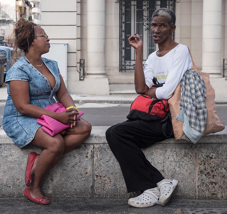 Artists talking, Paseo José Martí(Prado), La Habana