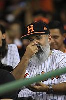Aficionado de Naranjeros de Barba, durante la apertura de la temporada de beisbol de la Liga Mexicana del Pacifico 2017 2018 con el partido entre Naranjeros vs Yaquis. 11 octubre2017 . <br /> (Foto: Luis Gutierrez /NortePhoto.com)