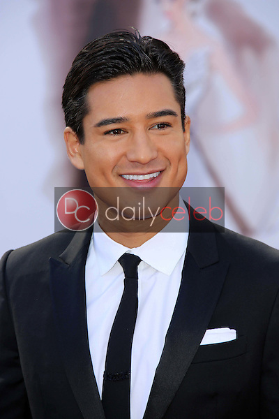 Mario Lopez<br /> at the 85th Annual Academy Awards Arrivals, Dolby Theater, Hollywood, CA 02-24-13<br /> David Edwards/DailyCeleb.com 818-249-4998
