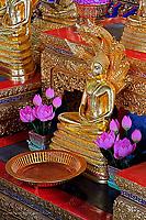 Small Buddha on alter, Wat Pho, Bangkok, Thailand