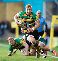 Harry Mallinder of Northampton Saints goes on the attack. Aviva Premiership match, between Northampton Saints and Leicester Tigers on April 16, 2016 at Franklin's Gardens in Northampton, England. Photo by: Patrick Khachfe / JMP