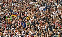 Fans machen begeistert die Welle - 04.09.2017: Deutschland vs. Norwegen, Mercedes Benz Arena Stuttgart