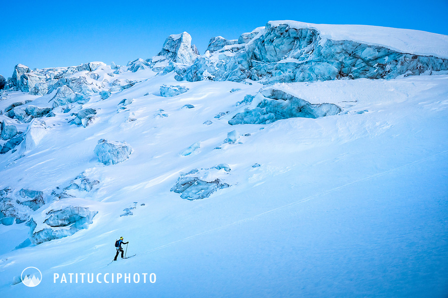 Ski touring approach of the Wetterhorn, on the Rosenlauigletscher, during a tour of the Wetterhorn, Mittelhorn and Rosenhorn in the Bernese Alps, Switzerland
