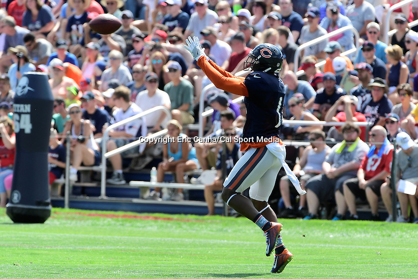 Monday, August 8, 2016: Chicago Bears wide receiver Josh Bellamy (11) makes a catch during a joint training camp session between the Chicago Bears and the New England Patriots held at Gillette Stadium in Foxborough Massachusetts. Eric Canha/CSM