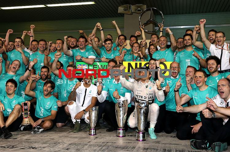28.11. - 29.11.2015, Abu Dhabi, UE, F1 GP United Emirate, im Bild Lewis Hamilton (GBR), Mercedes GP - Nico Rosberg (GER), Mercedes GP<br /> for the complete Middle East, Austria &amp; Germany Media usage only!<br />  Foto &copy; nph / Mathis