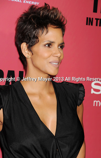 HOLLYWOOD, CA - MARCH 05: Halle Berry arrives at the 'The Call' - Los Angeles Premiere at ArcLight Hollywood on March 5, 2013 in Hollywood, California.