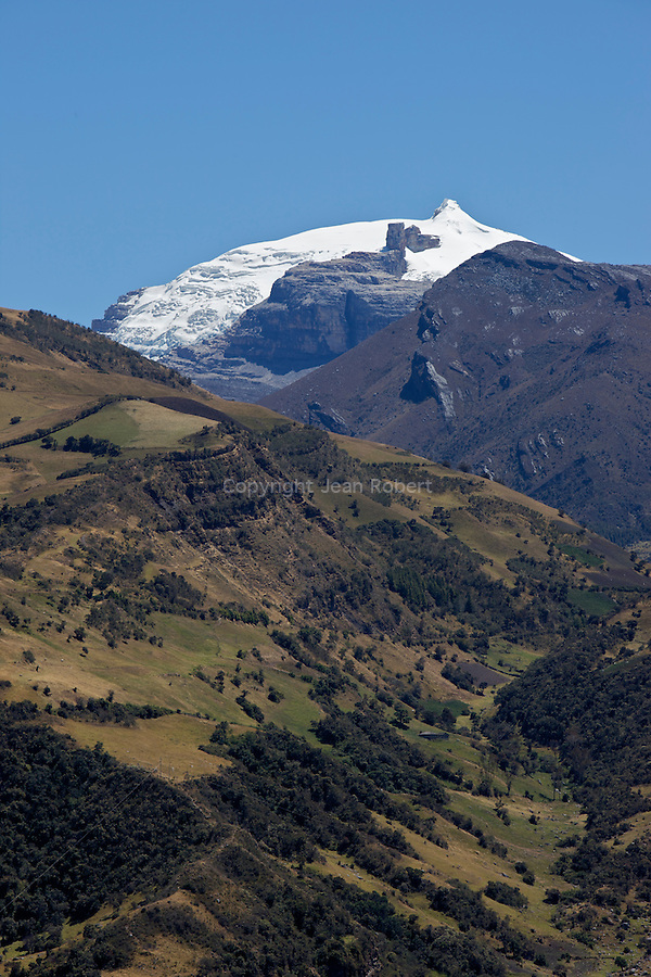 .Vue sur le pan de azucar et pulpito del diablo depuis la route de Guican..Sierra del Cocuy