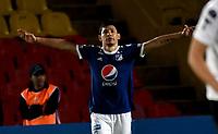 BOGOTÁ - COLOMBIA, 15-08-2018: Roberto Ovelar, jugador de Millonarios (COL), celebra el gol anotado a General Diaz (PAR), durante partido de vuelta entre Millonarios (COL) y General Díaz (PAR), de la segunda fase por la Copa Conmebol Sudamericana 2018, en el estadio Nemesio Camacho El Campin, de la ciudad de Bogotá. / Roberto Ovelar, player of Millonarios (COL), celebrates the scored goal to General Diaz (PAR), during a match of the second leg between Millonarios (COL) and General Diaz (PAR), of the second phase for the Conmebol Sudamericana Cup 2018 in the Nemesio Camacho El Campin stadium in Bogota city. VizzorImage / Luis Ramirez / Staff.