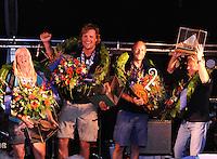 SKÛTSJESILEN: LEMMER: 08-08-2015, IFKS sk˚tsjesilen, Winnaars Klassement: v.l.n.r. Jehanne Prins schipper van 'De Lege W'lden' Terherne (C klasse), Floriaan Zwart kampioen (B-klasse) met het sk˚tsje 'Ut en Th˙s' (Sneek), Rutger Boonstra 'Hoop op Welvaart' (Sneek) lytse A-klasse, Tonny Brundel met het sk˚tsje 'de Lytse Lies' (Gaastmeer) kampioen in de A klasse, ©foto Martin de Jong
