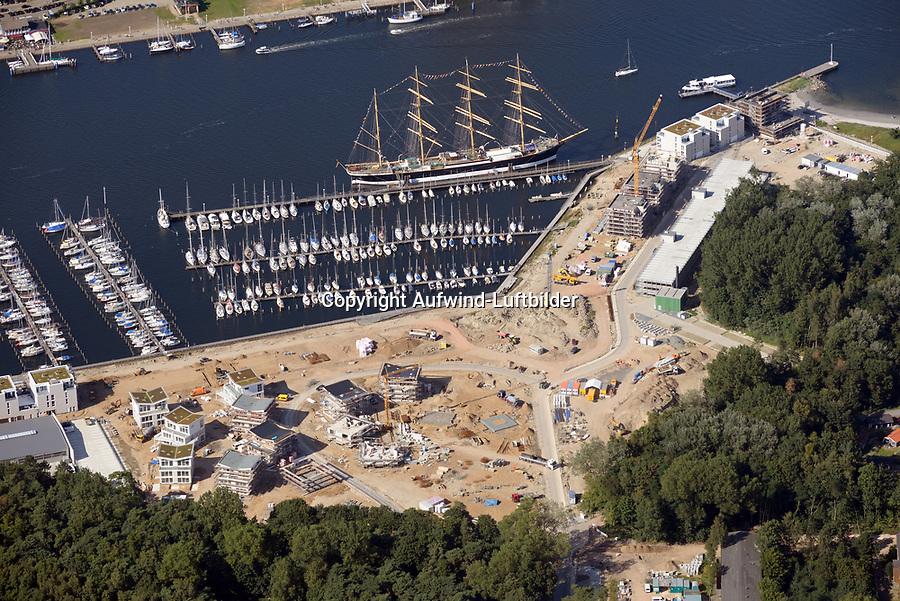 Priwall Waterfront: EUROPA, DEUTSCHLAND, SCHLESWIG- HOLSTEIN, TRAVEMUENDE, 23.08.2017: Priwall Waterfront ist ein  Ferienhausprojekt mit einer Wasserlage in Travemünde,