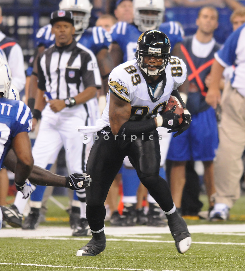 MARCEDES LEWIS, of the Jacksonville Jaguars, in action during the Jaguars game against the Indianapolis Colts on September 21, 2008 in Indianapolis, Indiana...The Jacksonville Jaguars win 23-21