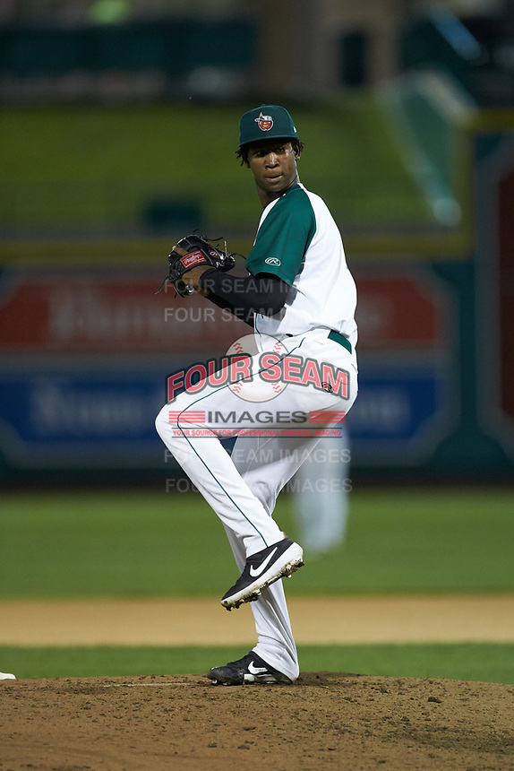 Fort Wayne TinCaps relief pitcher Henry Henry (17) in action against the Bowling Green Hot Rods at Parkview Field on August 20, 2019 in Fort Wayne, Indiana. The Hot Rods defeated the TinCaps 6-5. (Brian Westerholt/Four Seam Images)