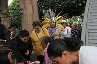 Quer&eacute;taro, Qro. 12 Septiembre 2012. Aspectos Generales de la llegada e inicio de los pajareros y su peregrinar hacia el Templo de la Cruz. <br /> Foto: Yunuen Aviles/Agencia Obtura.