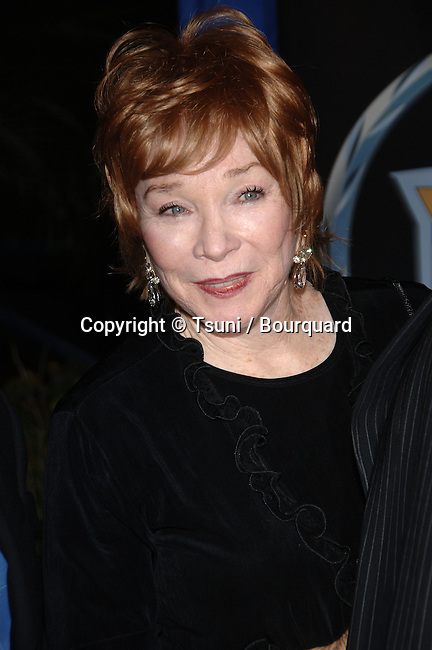 Shirley MacLaine  arriving at the DREAM GIRLS Premiere at the Wilshire  Theatre In Los Angeles.<br /> <br /> headshot