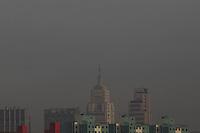 SAO PAULO, SP, 13 DE MAIO 2013 - CLIMA TEMPO - POLUICAO. Com o tempo seco, a cidade São Paulo fica envolto sobre camada de poluição no bairro da Mooca regiao leste da cidade de Sao Paulo nesta segunda-feira, 13. FOTO: LUIZ GUARNIERI/ BRAZIL PHOTO PRESS.