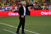 BARRANQUILLA  - COLOMBIA - 8-10-2015: Jose Pekerman director tecnico de la seleccion Colombia  durante su encuentro con la   seleccion del  Peru durante primer partido  por por las eliminatorias al mundial de Rusia 2018 jugado en el estadio Metropolitano Roberto Melendez  / :Jose Pekerman coach of Colombia  during match against of selection of Peru during first qualifying match for the 2018 World Cup Russia played at the Estadio Metropolitano Roberto Melendez. Photo: VizzorImage / Felipe Caicedo / Staff.