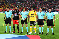 BOGOTA-COLOMBIA, 21-02-2020: Oscar Gomez, arbitro con los capitanes Leandro Castellanos de Independiente Santa Fe y Juan Pablo Segovia de America de Cali, durante partido de la fecha 6 entre Independiente Santa Fe y America de Cali, por la Liga BetPLay DIMAYOR I 2020, en el estadio Nemesio Camacho El Campin de la ciudad de Bogota. / Oscar Gomez, referee with the captains Leandro Castellanos of Independiente Santa Fe and Juan Pablo Segovia of America de Cali, during a match of the 6th date between Independiente Santa Fe and America de Cali, for the BetPlay DIMAYOR I Leguaje 2020 at the Nemesio Camacho El Campin Stadium in Bogota city. / Photo: VizzorImage / Luis Ramirez / Staff.
