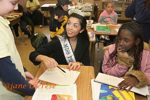 "Miss Philadelphia, Ronica Licciardello, visits the Watson T. Comly Elementary School in Philadelphia, Pa. on Wednesday March 30, 2005. The ""persona"" of Miss America is in search for a new style and a new home. jane therese for The New York Times."