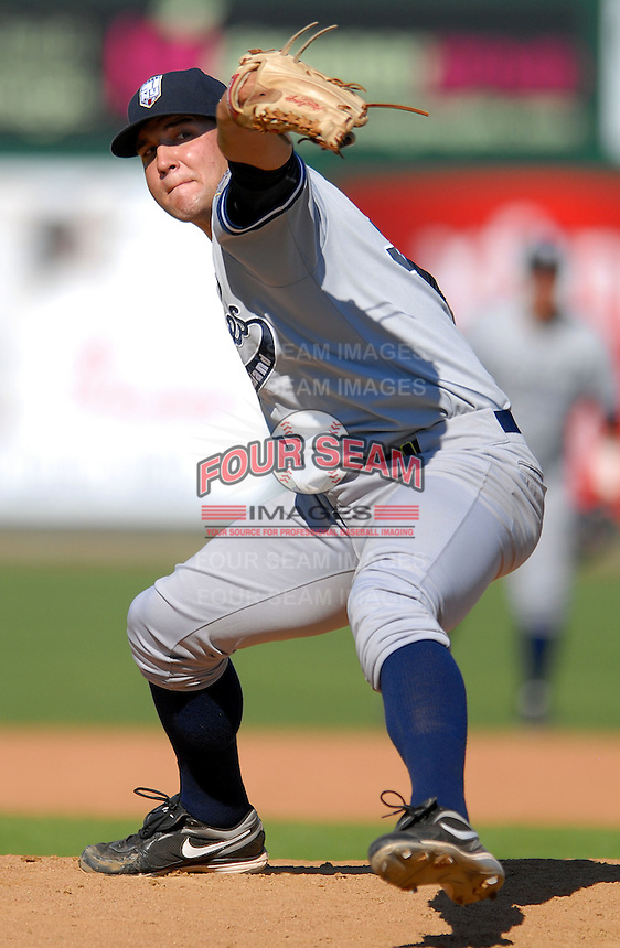 Staten Island Yankees' RHP THOMAS KAHNLE  during a game vs. the Lowell Spinners at LaLacheur Park in Lowell, Massachusetts August 29,  2010.   .  Photo By Ken Babbitt/Four Seam Images