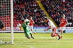 Billy Sharp of Sheffield Utd scores the winning goal during the Sky Bet League One match at Bramall Lane Stadium. Photo credit should read: Simon Bellis/Sportimage