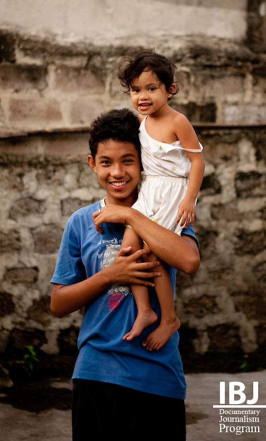 Filipino siblings, 2009