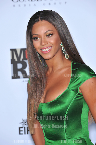 Beyoncé Knowles at Movies Rock: A Celebration of Music in Film at the Kodak Theatre, Hollywood..December 2, 2007  Los Angeles, CA.Picture: Paul Smith / Featureflash