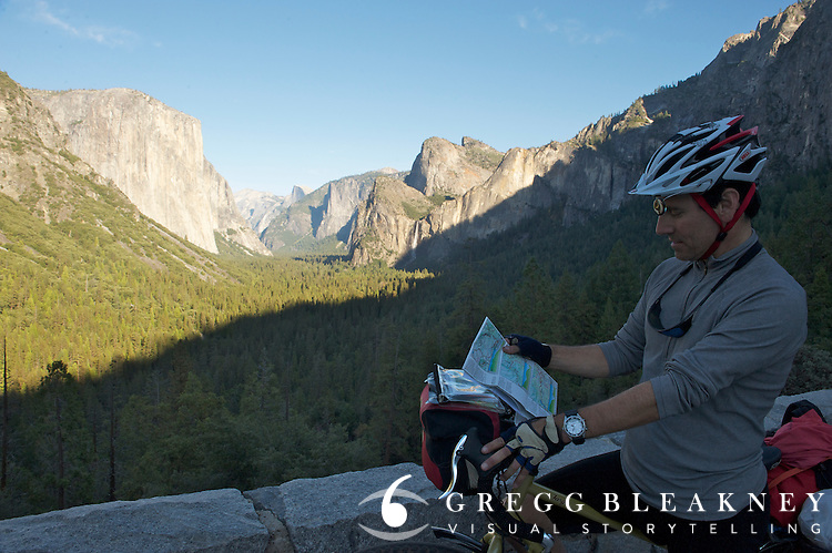 Touring Cyclist (gMack) in Yosemite National Park - Adventure Cycling Sierra Cascades Route - Canada to Mexico Cycling Expedition