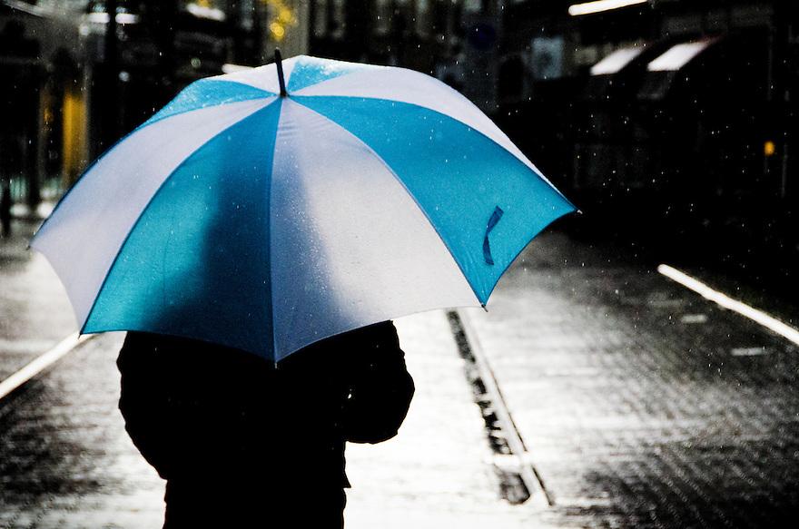Nederland, Amersfoort, 3 nov  2013<br /> Hevige regenbuien en hagelbuien op een herstige zondagmiddag in Amersfoort.<br /> Foto(c): Michiel Wijnbergh