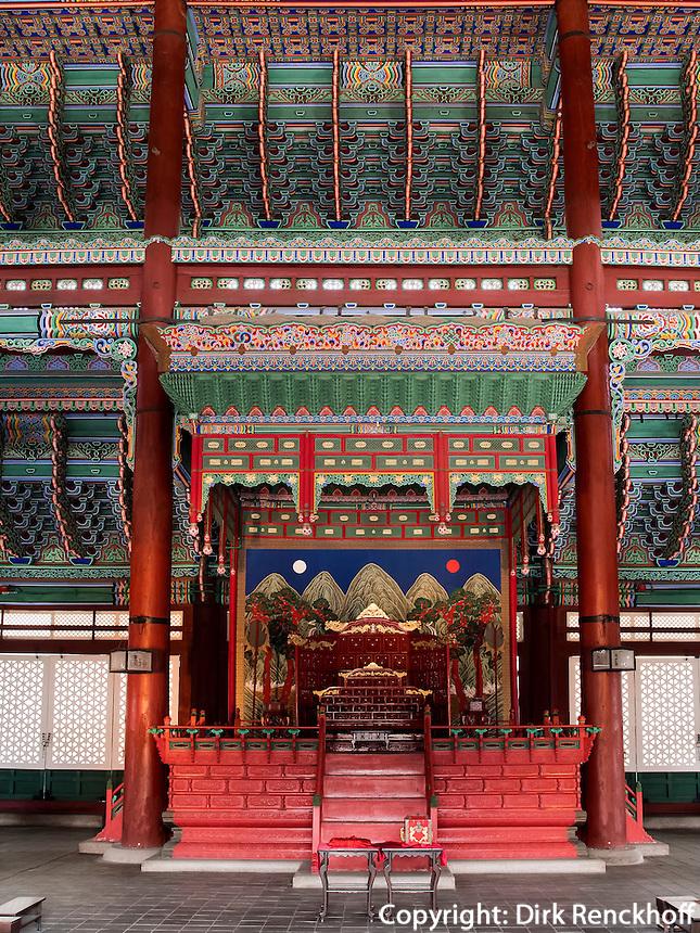 Thronhalle Geunjeongmun im Palast  Gyeongbukgung in Seoul, S&uuml;dkorea, Asien<br /> throne hall Geunjeongmun  in palace Gyeongbukgung in Seoul, South Korea, Asia