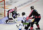 06.10.2019, Mercedes Benz Arena, Berlin, GER, 1.DEL, EISBAEREN BERLIN  VS.  Straubingen Tigers, im Bild <br /> Sebastian Dahm (Eisbaeren Berlin #32),<br /> <br />      <br /> Foto © nordphoto / Engler