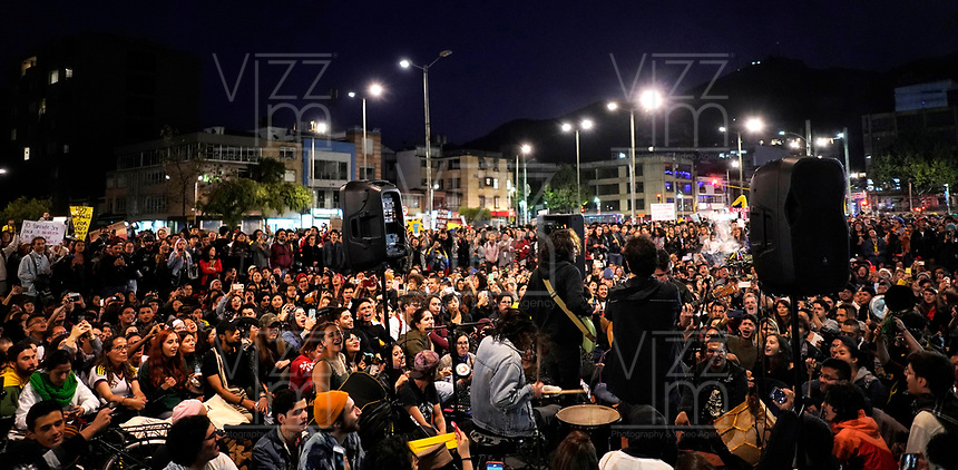 BOGOTÁ - COLOMBIA, 24-11-2019:Marchas del cuarto dia de paro Nacional./<br /> March of the fourth day of National strike. Photo: VizzorImage / Diego Cuevas / Contribuidor