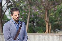 SÃO PAULO, SP, 26.06.2016 -  GRAVAÇÃO-NOVELA - Rafael Cardoso, ator da Rede Globo,é visto gravando cenas da novela Sol Nascente no centro da cidade de São Paulo (SP) neste  domingo (26). (Foto: Adailton Damasceno/Brazil Photo Press)