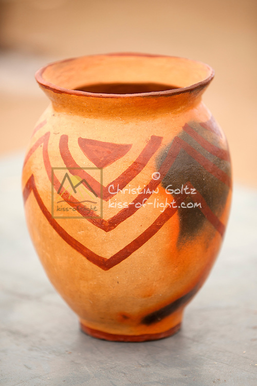 Oshitoo<br /> Usually a large clay pot used for storing water and traditional drinks like oshikundu, omaongo and omalodu.
