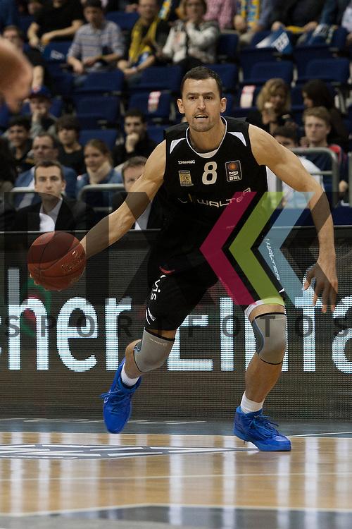 Tuebingens Aleksandar Nadjfeji <br /> <br /> 19.12.15 BEKO BBL Basketball Bundesliga, ALBA Berlin - WALTER Tigers Tuebingen <br /> <br /> Foto &copy; PIX-Sportfotos *** Foto ist honorarpflichtig! *** Auf Anfrage in hoeherer Qualitaet/Aufloesung. Belegexemplar erbeten. Veroeffentlichung ausschliesslich fuer journalistisch-publizistische Zwecke. For editorial use only.