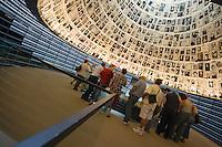 Asie/Israël/Judée/Jérusalem: Yad Vashem le Musée Mémorial créé en mémoire aux victimes de l'Holocauste -Architecte: Moshé Sfadie - le Hall des Noms