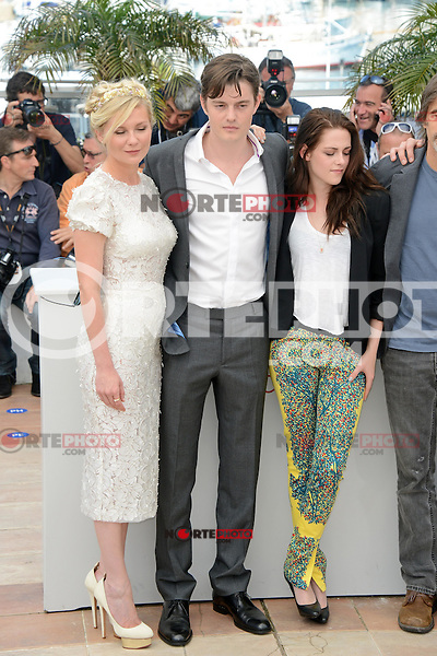 """Kirsten Dunst, Sam Riley and Kristen Stewart attending the """"On the Road"""" Photocall during the 65th annual International Cannes Film Festival in Cannes, France, 23rd May 2012...Credit: Timm/face to face /MediaPunch Inc. ***FOR USA ONLY***"""