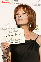 LOS ANGELES - SEP 23:  Frances Fisher at the 27th Environmental Media Awards at the Barker Hangaer on September 23, 2017 in Santa Monica, CA