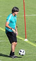 Bundestrainer Joachim Loew (Deutschland Germany) - 25.05.2018: Training der Deutschen Nationalmannschaft zur WM-Vorbereitung in der Sportzone Rungg in Eppan/Südtirol
