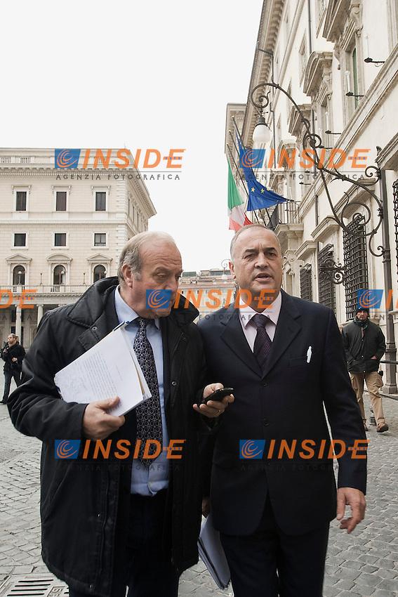 Loreno Bittarelli presidente dell'Uritaxi all'uscita da Palazzo Chigi dopo l'incontro con il Governo.Roma 19/01/2012 Protesta dei tassisti contro le liberalizzazioni imposte dal Governo .Foto Insidefoto