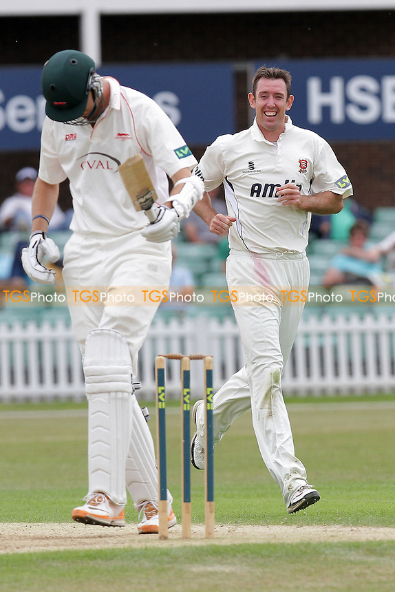 David Masters of Essex celebrates the wicket of Will Jefferson - Leicestershire CCC vs Essex CCC - LV County Championship Division Two Cricket at Grace Road, Leicester - 11/07/11 - MANDATORY CREDIT: Gavin Ellis/TGSPHOTO - Self billing applies where appropriate - Tel: 0845 094 6026
