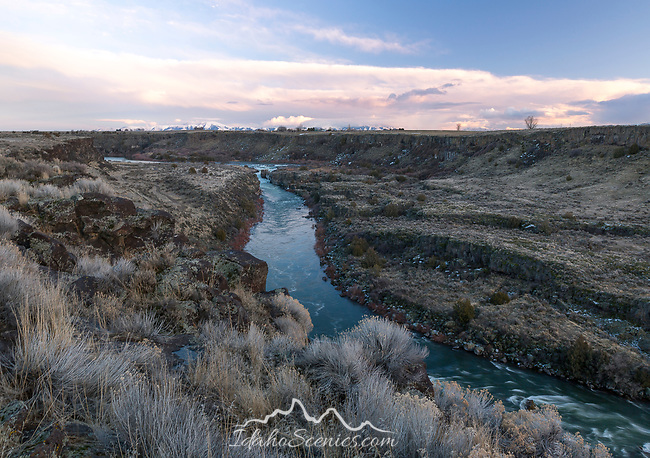 Idaho, South central, Murtaugh. Evening view of the Snake River Canyon above Cauldron Linn in winter.