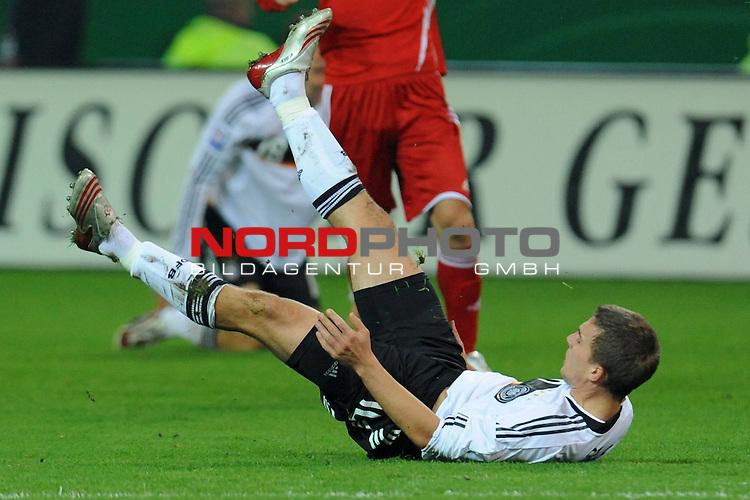 Fussball, L&auml;nderspiel, WM 2010 Qualifikation Gruppe 4 Westfalen Stadion Dortmund ( SIGNAL IDUNA PARK )<br />  Deutschland (GER) vs. Russland ( RUS )<br /> <br /> <br /> Lukas Podolski  (Ger /  Bayern Muenchen #10)<br /> <br /> Foto &copy; nph (  nordphoto  )<br />  *** Local Caption ***
