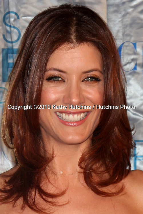 LOS ANGELES - JAN 5:  Kate Walsh arrives at 2011 People's Choice Awards at Nokia Theater at LA Live on January 5, 2011 in Los Angeles, CA.