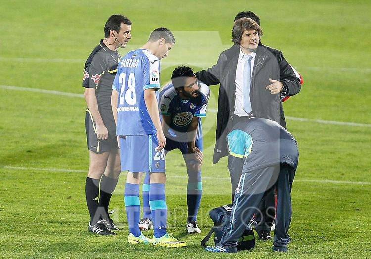 Getafe's Daniel Gonzalez Guiza (c) injured during La Liga match.November 6,2011. (ALTERPHOTOS/Acero)